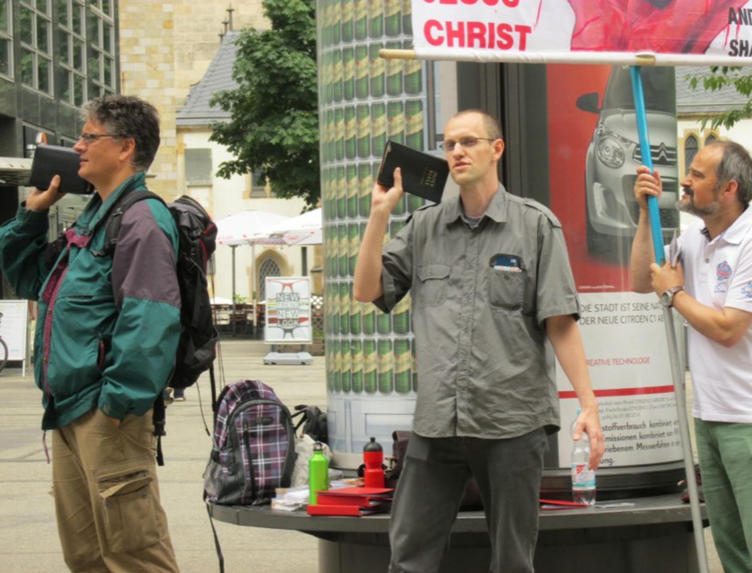 Street Preaching pic 2